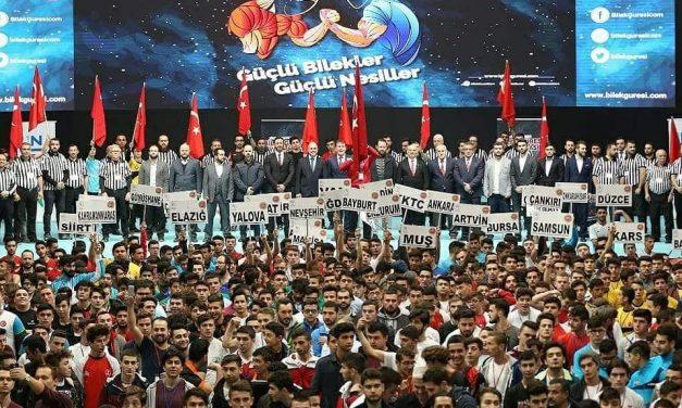 5. Türkiye Genç Erkekler Bilek Güreşi Yarışması Büyük Bir Coşkuyla Tamamlandı!